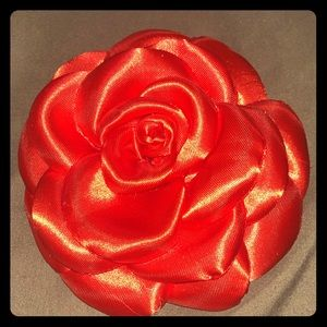 Flower pin/ bow